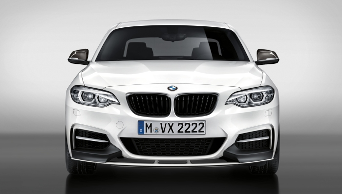 P90259124_highRes_the-new-bmw-m240i-m-